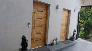 1. Vhodna hrastova vrata z zasteklitvijo ali brez