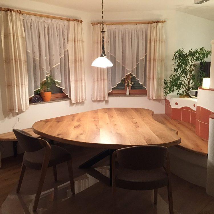 Masivna hrastova miza - šablona