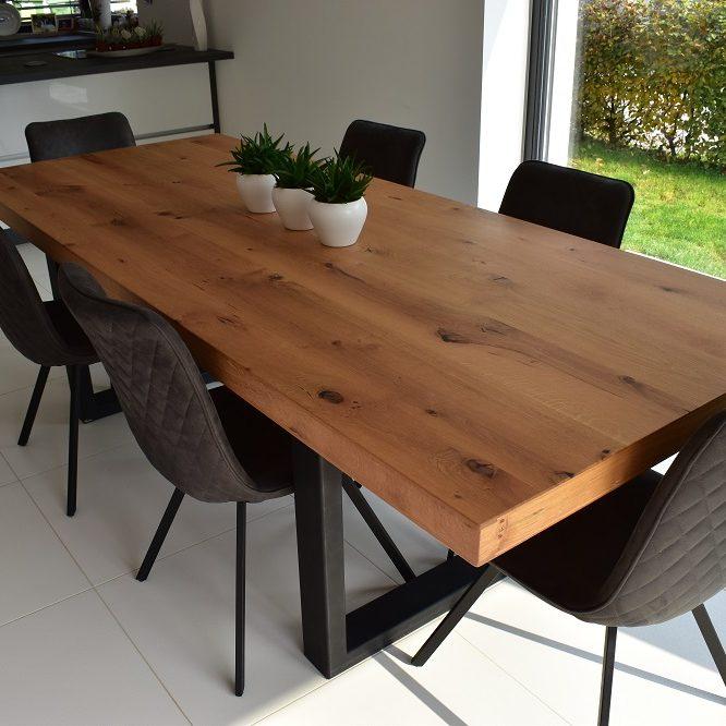 Masivna hrastova miza 100 x 210, debelina plošče 68 mm
