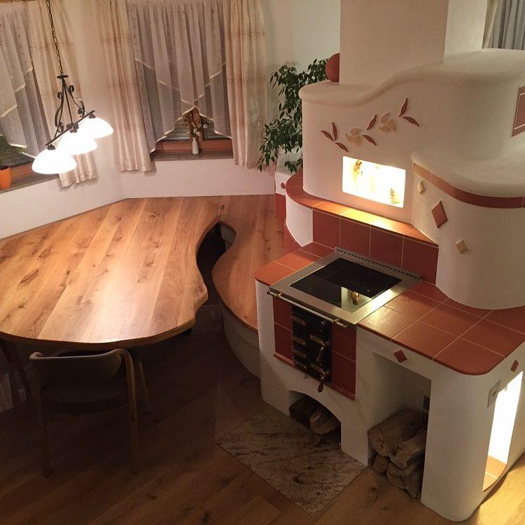 Masivna hrastova miza narejena po šabloni