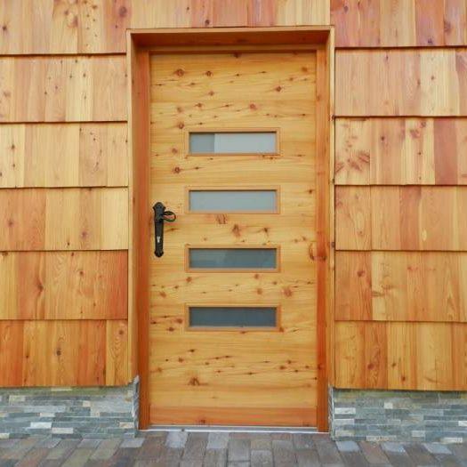 Vhodna vrata Menina (macesen)